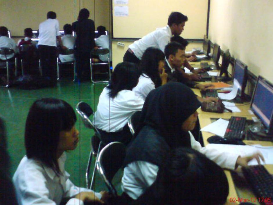Sidang Uji Kompetensi Teknik Gambar Bangunan 2012