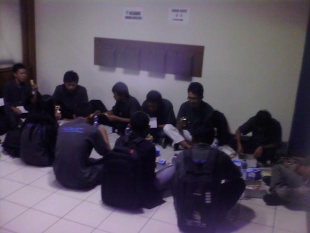 Makan Siang Peserta Peserta CADD Building LKS Nasional XX 2012