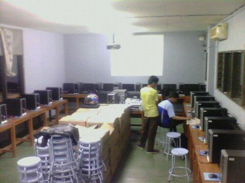 Setting Lab Komputer Teknik Gambar Bangunan