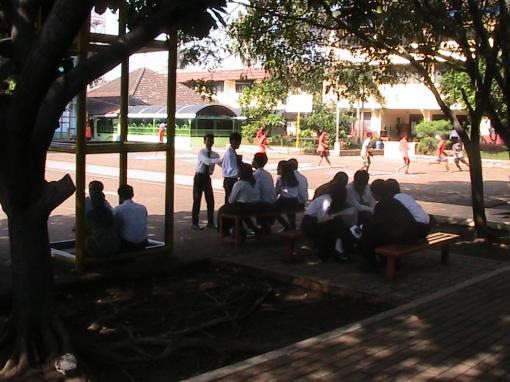 Belajar di lapangan sebelum Sidang Tugas Akhir Teknik Gambar Bangunan 2013