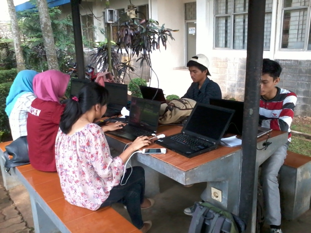 Belajar AutoCAD 2D 3D Rendering di Politeknik Negeri Jakarta