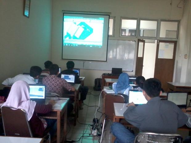 Mahasiswa Training AutoCAD 2D 3D Rendering di Politeknik Negeri Jakarta