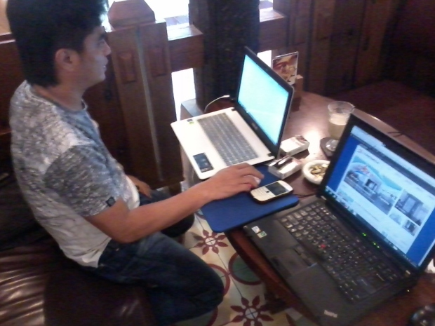 Training Web Administrator di Kopi Luwak Blok M Plaza