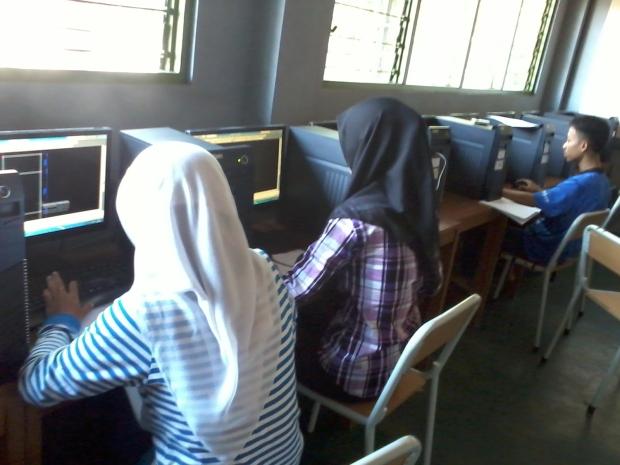 Training AutoCAD 2D Teknik Bangunan di SMKN 56 Jakarta Utara