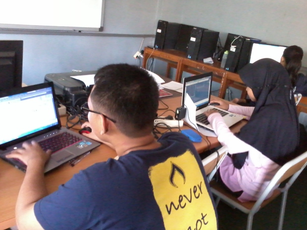 Training Belajar AutoCAD 2D Teknik Bangunan di SMKN 56 Jakarta Utara
