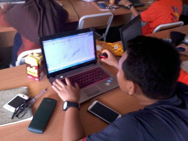 Belajar AutoCAD 3D Model Konstruksi Bangunan di SMKN Penjaringan Jakarta