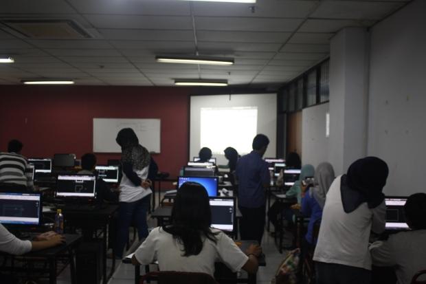 Training Belajar AutoCAD Teknik Lingkungan Fakultas Arsitektur Lansekap dan Teknologi Lingkungan Universitas Trisakti