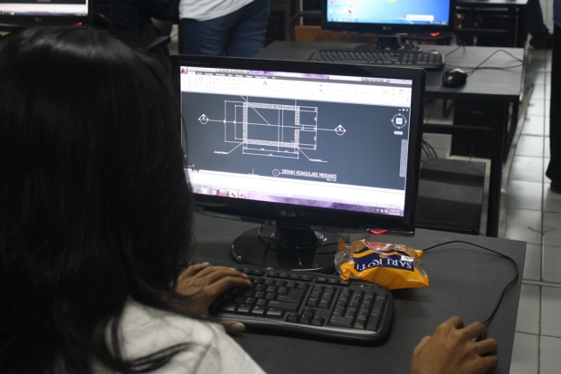 Training Belajar AutoCAD Teknik Lingkungan Fakultas Arsitektur Universitas Trisakti
