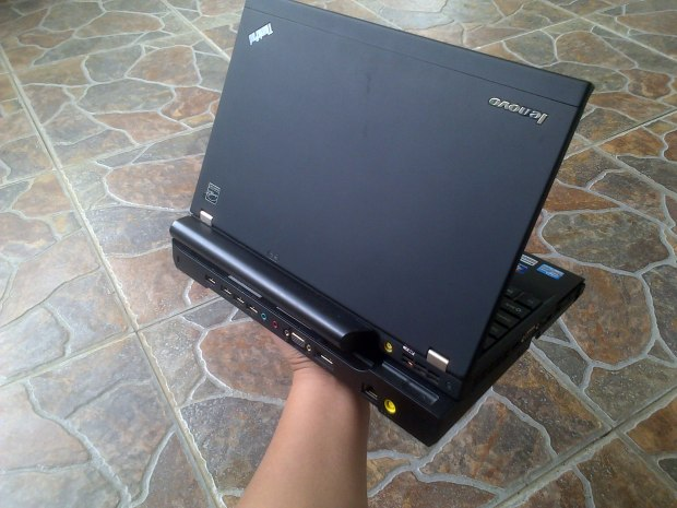 Jual Laptop Lenovo (IBM) Thinkpad x220 Windows 7 Pro Original + Docking