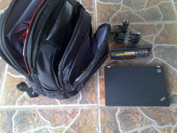 Jual Laptop Lenovo Thinkpad X220 i5 Baterai 9Cell Adaptor Tas Thinkpad Original