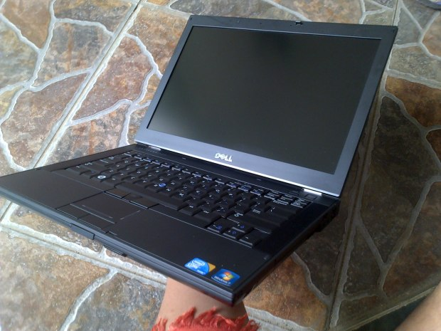 Jual Laptop Second Dell Latitude E6410 Tampak Samping Kanan