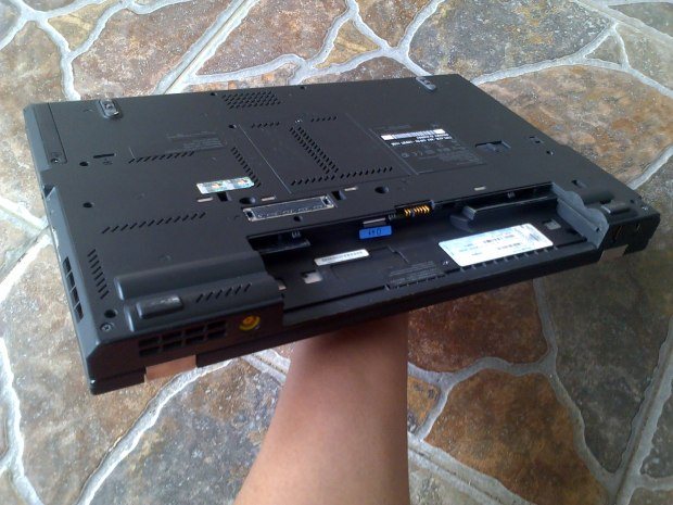 Jual Lenovo (IBM) Thinkpad T420 i5 + Sticker Windows 7 pro Original - Kirim ke Gunung Kidul Wonosari Jawa Tengah