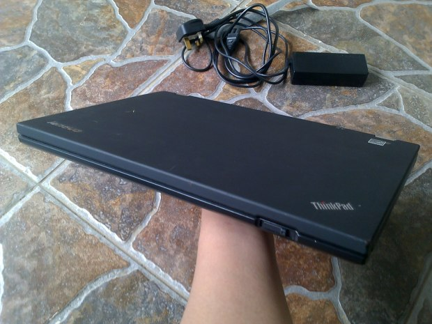 Jual Laptop Lenovo Thinkpad T420s i5 DualVGA NVidia + Intel HD Depan