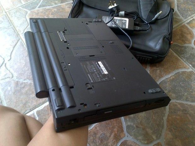 Jual Laptop Lenovo Thinkpad W5100 i7 8CPU VGA NVIDIA QUADRO RAM8GB untuk Gamer & Graphic Designer Tampak Belakang