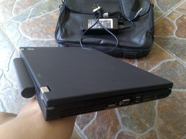 Jual Laptop Lenovo Thinkpad W5100 i7 8CPU VGA NVIDIA QUADRO RAM8GB untuk Gamer & Graphic Designer Tampak Depan