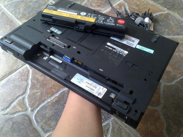 Jual Laptop Thinkpad T420 %22like new%22 Windows 7 Pro 64bit Original battery 3-4jam