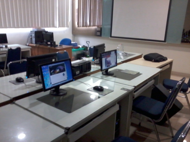 Persiapan Install AutoCAD Free License Academic 3 Years