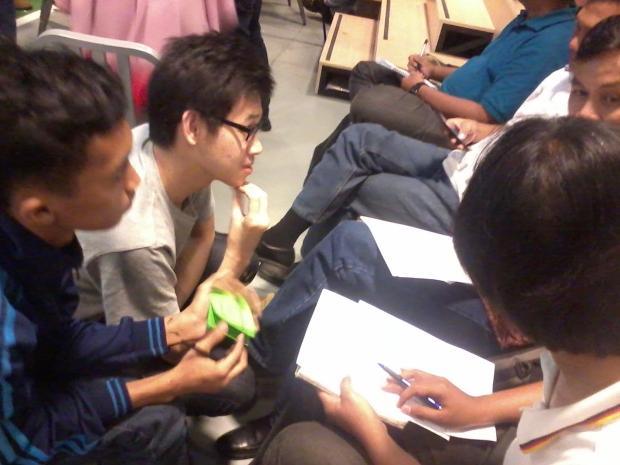 Diskusi Internal kelompok Workshop 1000StartupDigital di Jakarta 1A lokasi BukaLapak