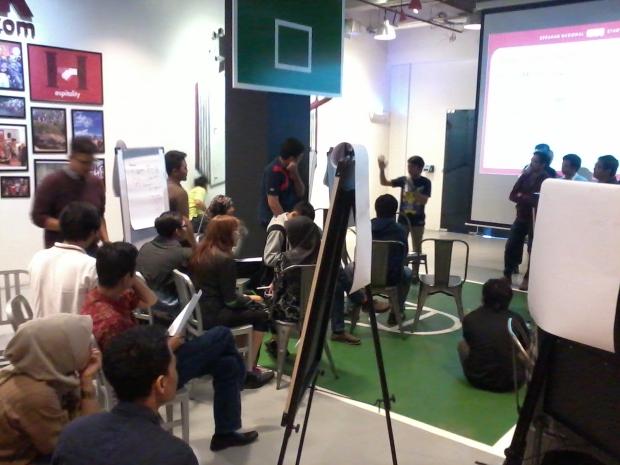Presentasi setiap Kelompok Workshop 1000StartupDigital Hari Pertama