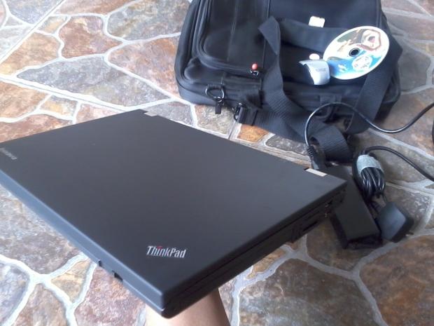 Jual Laptop Thinkpad T420 i7 4CPUs 2,8GHz Body Mulus