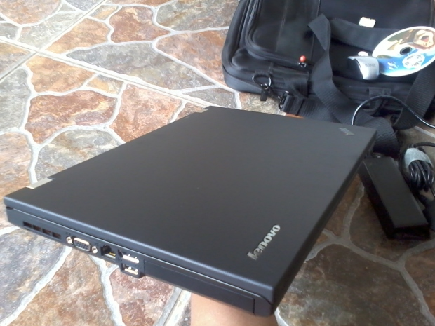 Jual Lenovo Thinkpad T420 i7 4CPUs 2,8GHz Body Muluuus