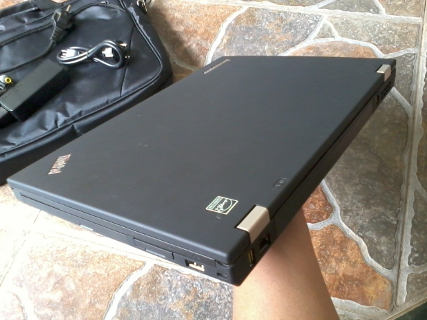 jual-laptop-thinkpad-t430-windows-7-pro-64bit-original-bening