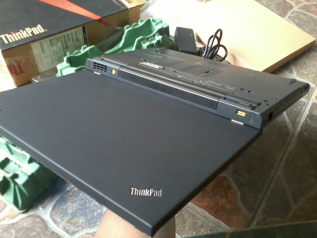 laptop-lenovo-thinkpad-t530-dualvga-nvidia-nvs-5400m-intelhd-4000-8cpus-i7-3720qm-2-60ghz-body