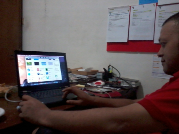 install-hackintosh-thinkpad-t420-dualboot-app-store-osx-yosemite-windows7-professional-di-harapan-jaya-bekasi-barat