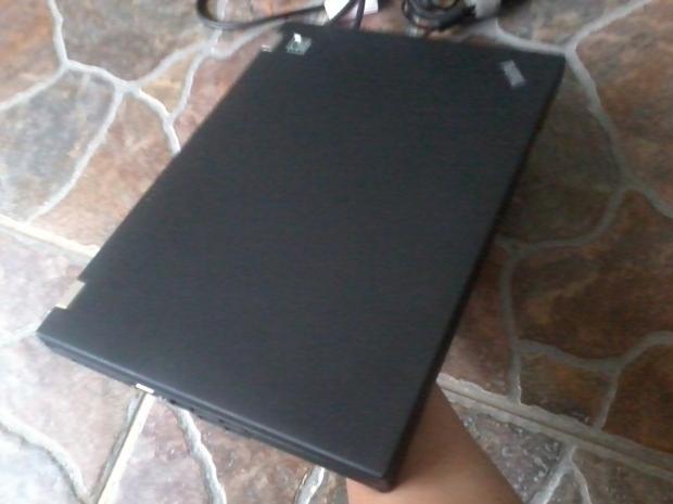 jual-laptop-lenovo-thinkpad-t410-core-i5-windows-7-professional-64bit-recovery-thinkpad-body-cover-mulus