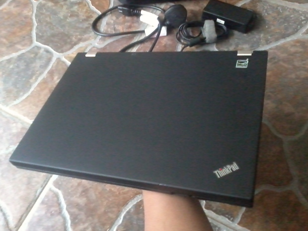 jual-laptop-lenovo-thinkpad-t410-core-i5-windows-7-professional-64bit-recovery-thinkpad-body-cover-terawat