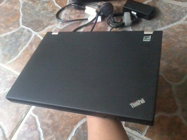 jual-laptop-lenovo-thinkpad-t410-core-i5-windows-7-professional-64bit-recovery-thinkpad-body-cover-terawat