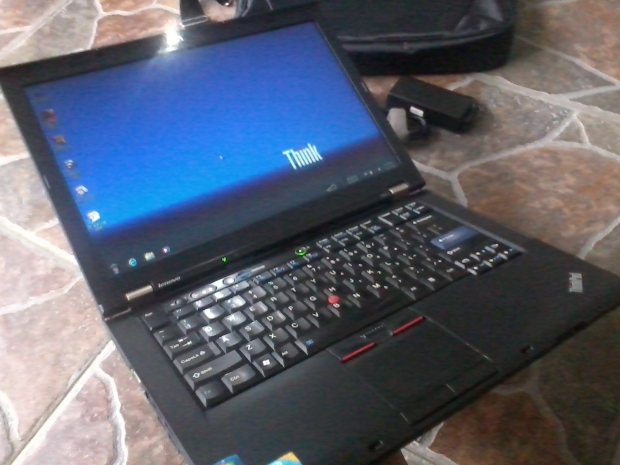 jual-laptop-lenovo-thinkpad-t410-core-i5-windows-7-professional-64bit-recovery-thinkpad-body-mulus